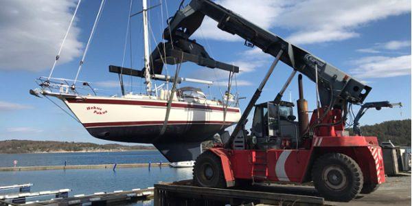 Sjösättning, torrsättning och inspektionslyft bokas via Marine Support